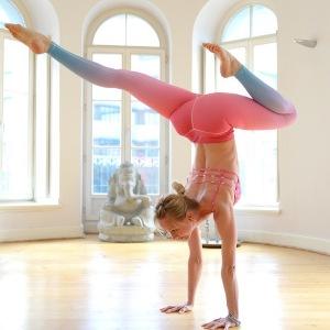 Aneta Gäb begleitet dich auf deinem Yoga Weg